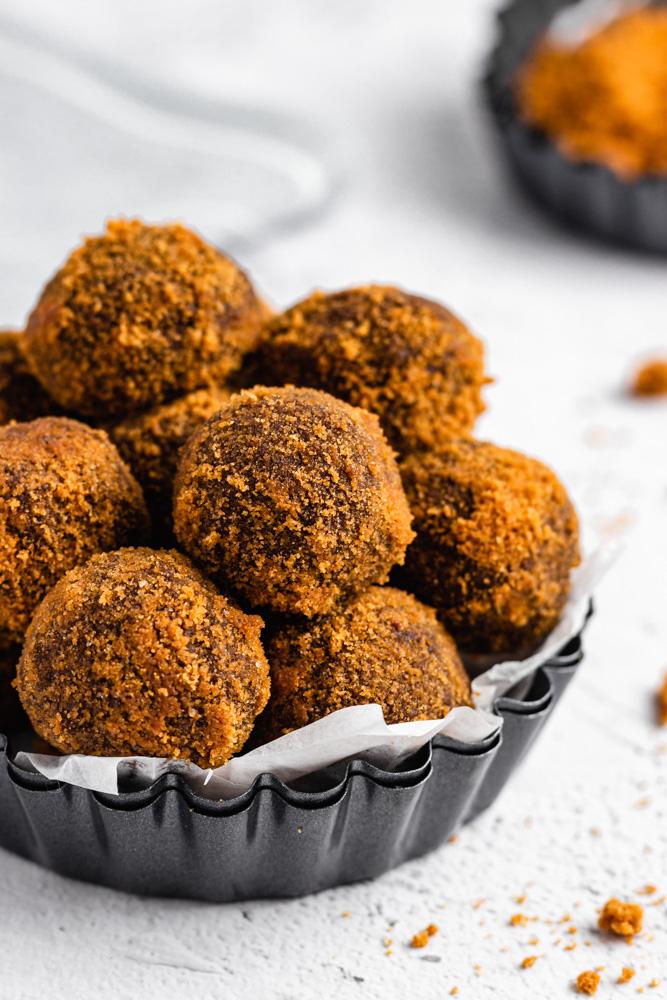 Lotus Biscoff Truffles In Mini Tart Tin