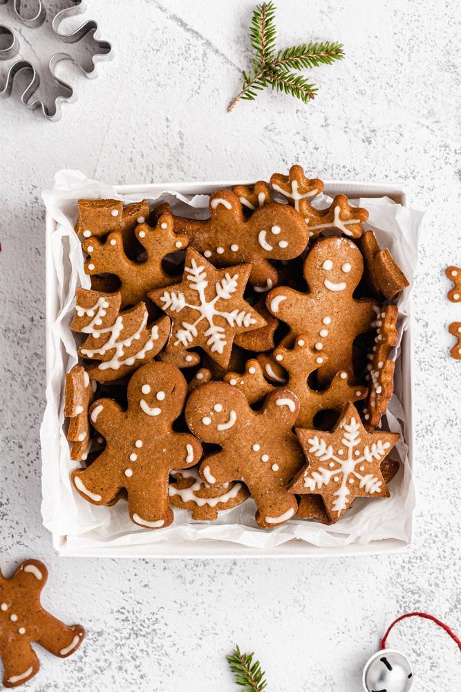 Vegan Gingerbread Cookies In A Box