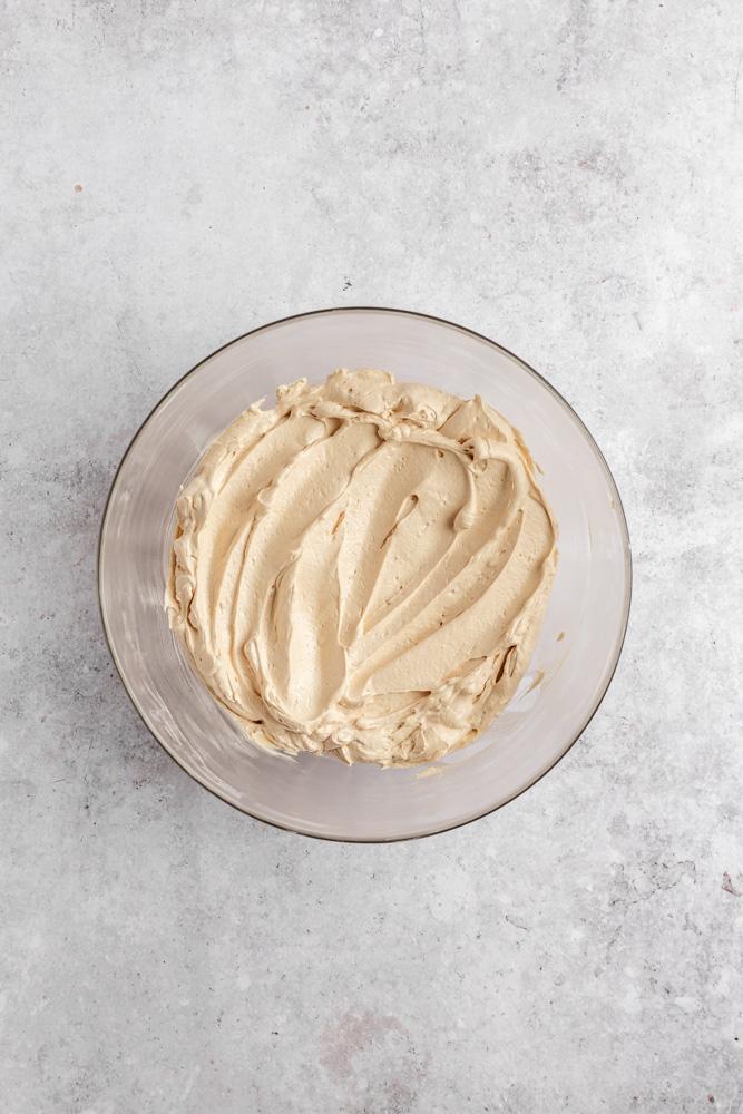 Vegan Biscoff máslový krém ve skleněné míse