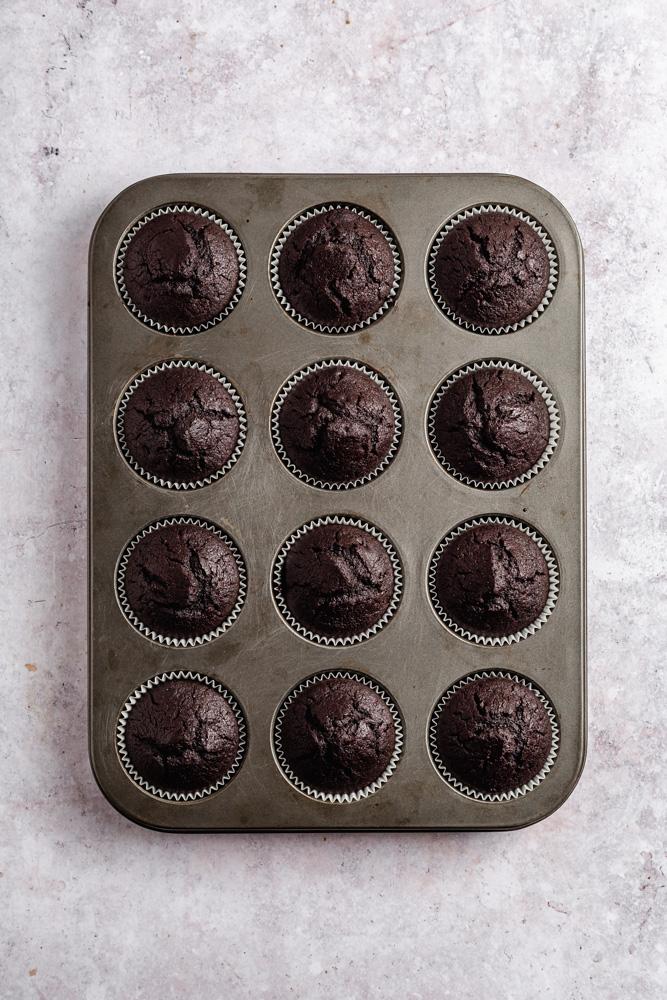Cupcakes ve formě po upečení